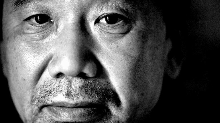 Lo scrittore giapponese Murakami Haruki
