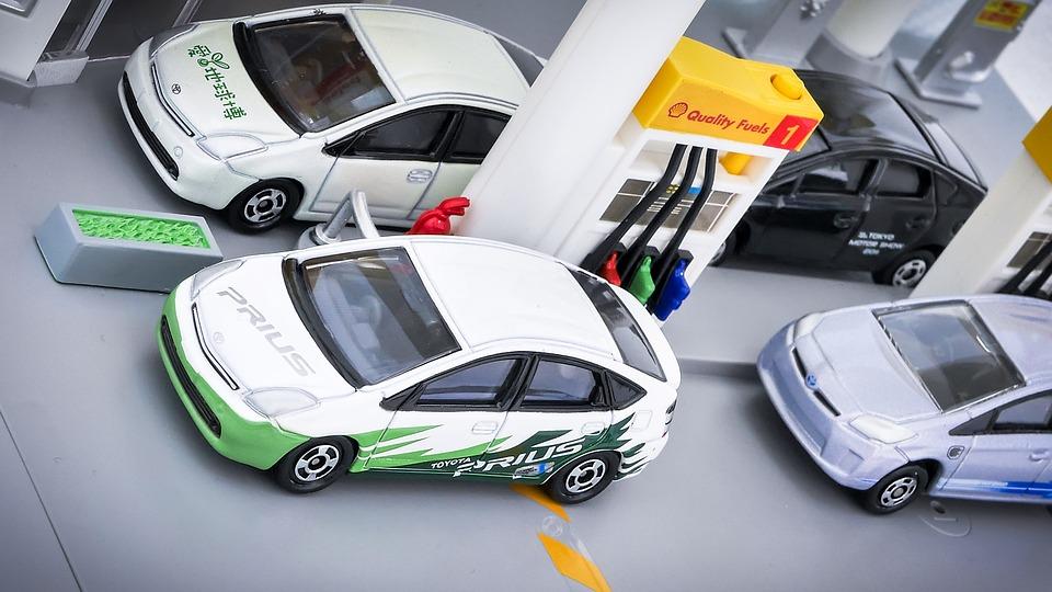 Invenzioni giapponesi, auto ibrida