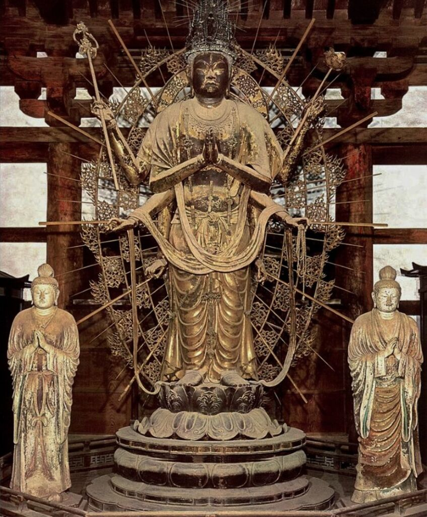La triade di Fukukenjaku Kannon a Todaiji di Nara