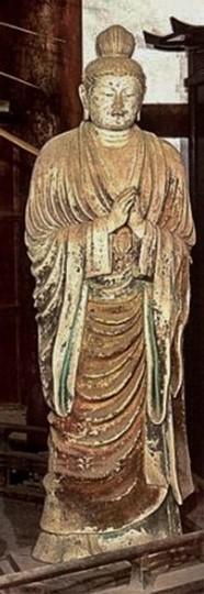 Statua di Nikko al tempio giapponese Todaiji di Nara