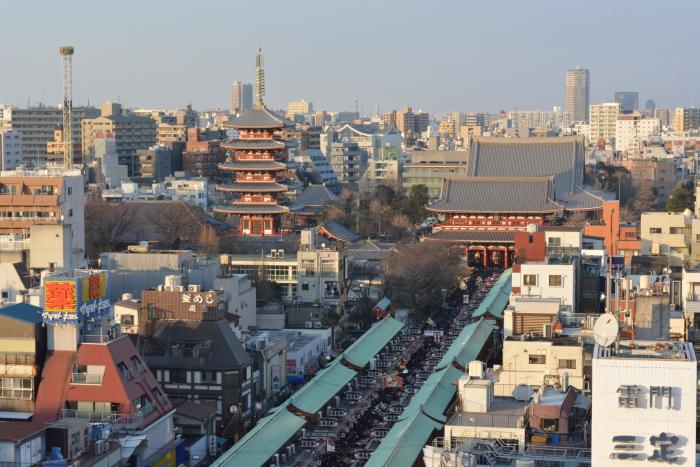 Il tempio di Asakusa a Capodanno dall'alto