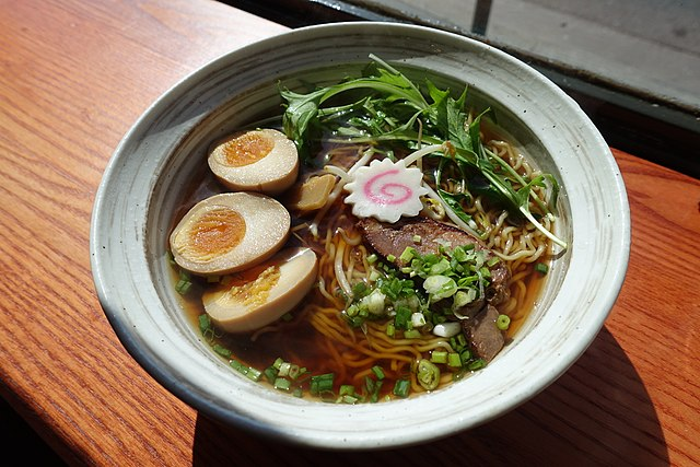 Shoyu Ramen: gusto alla salsa di soia