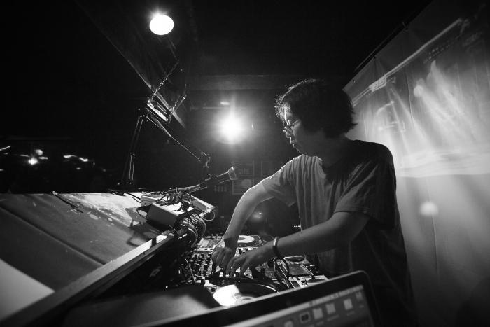 Il compositore e DJ Shinji Hosoe